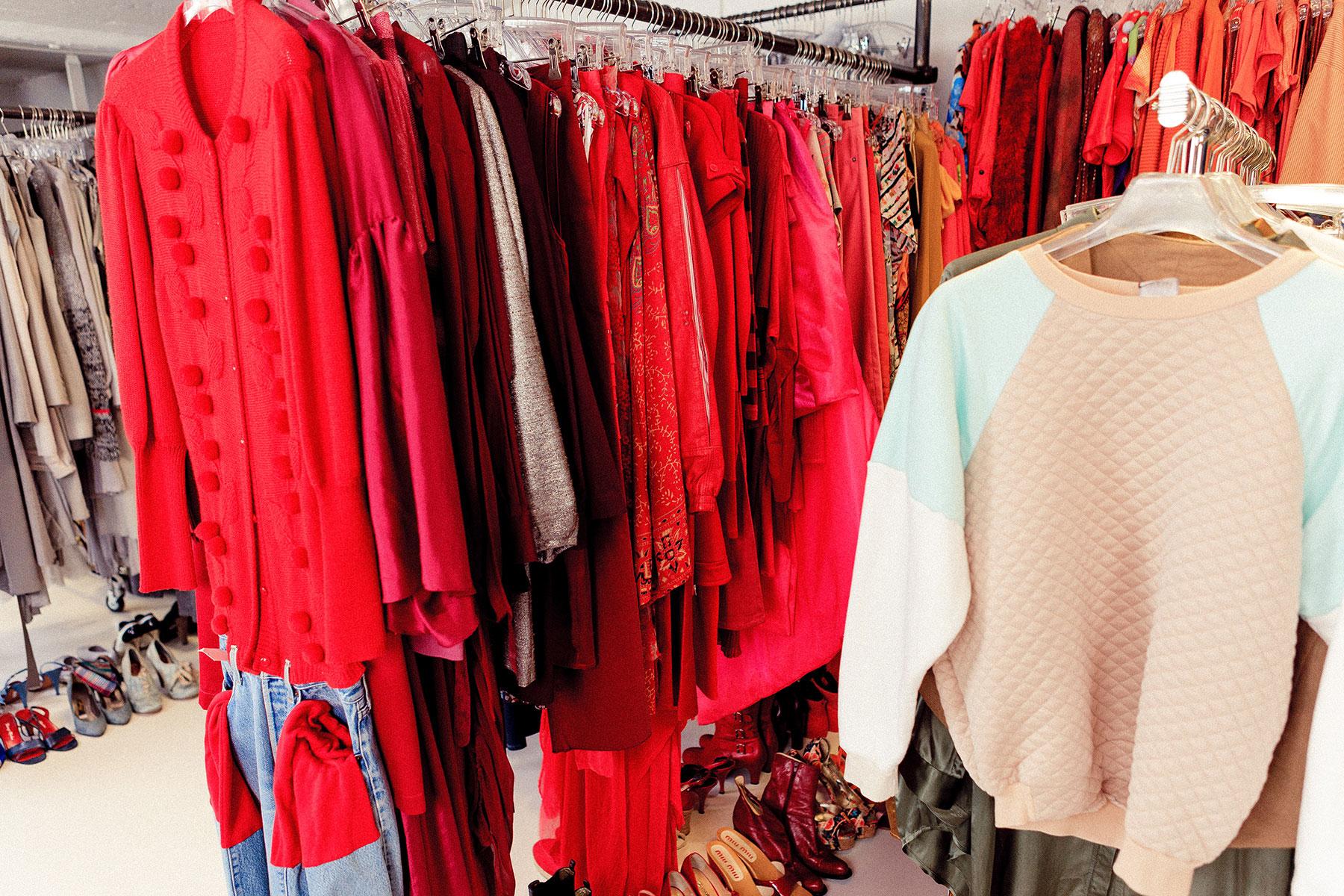 RAWfitting - Fashion-Fundus und Mode-Verleih für Stylisten und Fotografen für Werbe- und Modeproduktionen