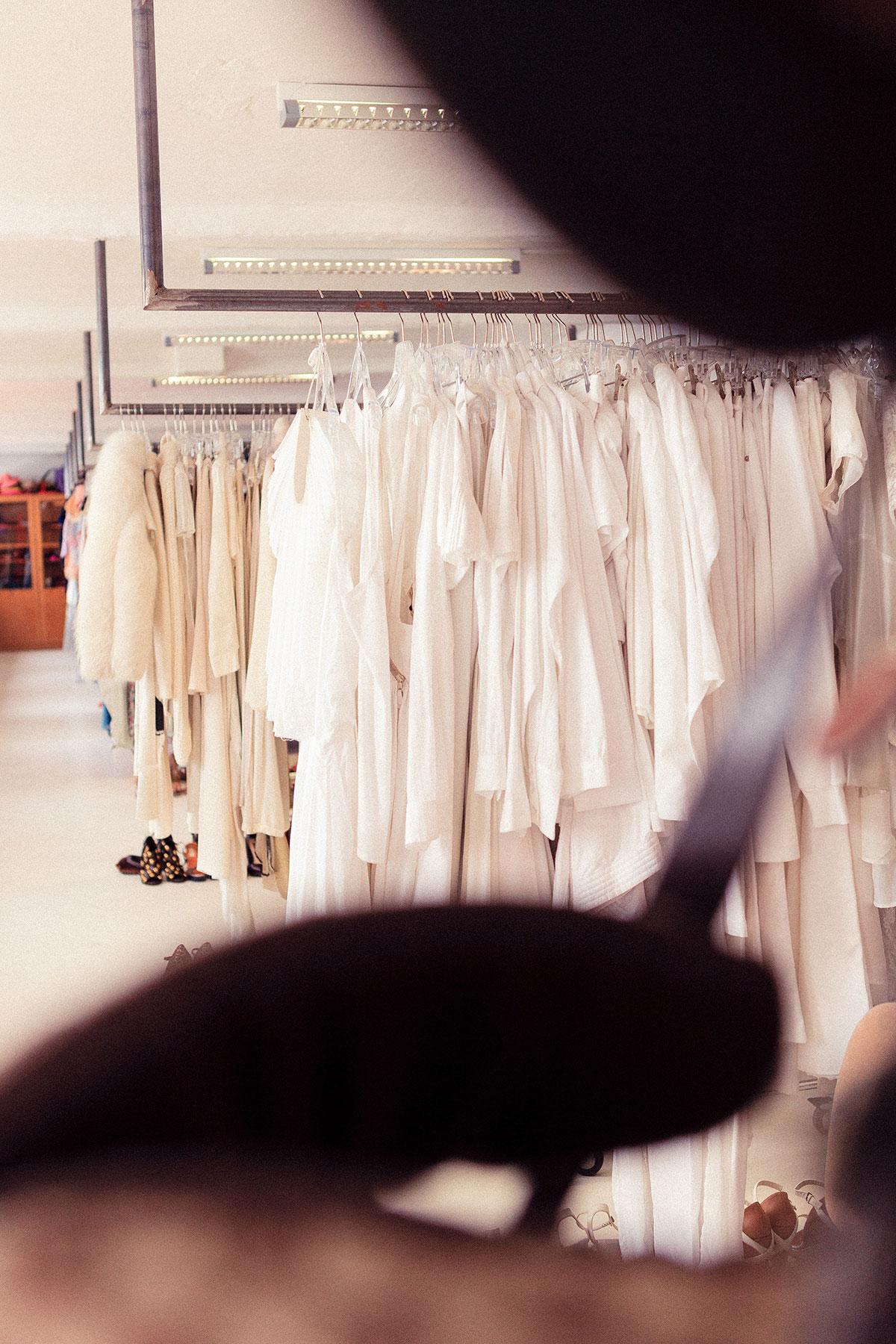 RAWfitting - Fundus und Mode-Verleih für Styling und Fotografie bei Werbe- und Modeproduktionen in Hamburg